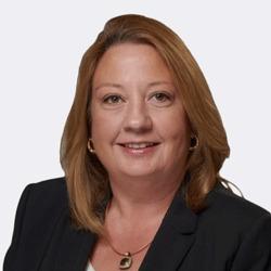 Suzanne Hall headshot