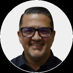 Alex Bermudez headshot