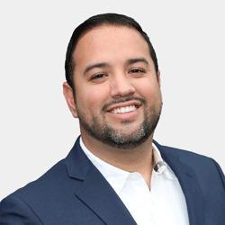 Victor Campos headshot