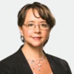 Julie Fitton headshot