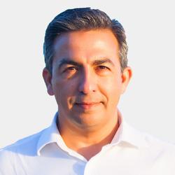 Shoaib Qazi headshot