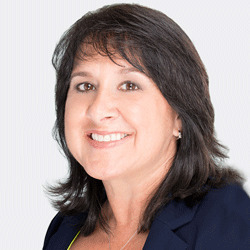 Lynn Heckler headshot