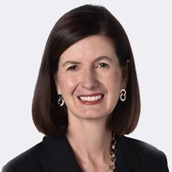 Shelie Gustafson headshot