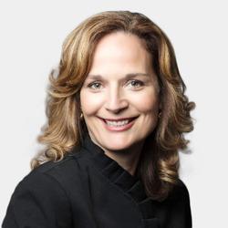 Laura Cushing headshot