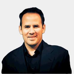 Eduardo Ortiz headshot