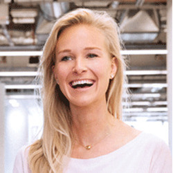 Elke Karskens headshot