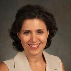 Michelle Piekutowski headshot