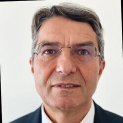 Kiril Topalov headshot