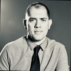 Juan Morales headshot