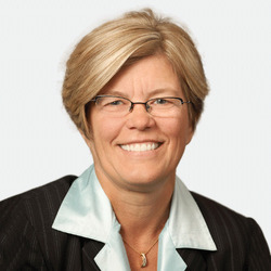 Mary Lynne Perushek headshot