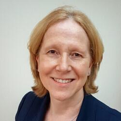 Carole Drape headshot