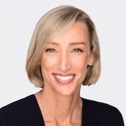 Annie Schmidt headshot