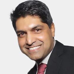Raghu Sagi headshot