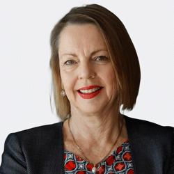 Angela Donohoe headshot