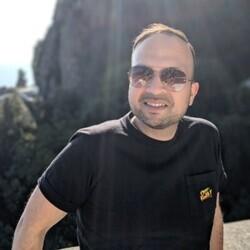 Goher Mohammad headshot