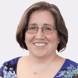 Roberta Hyland headshot
