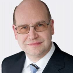 Ralf Winzer headshot