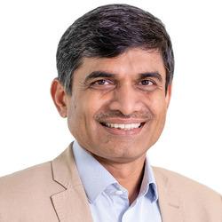 Vijay Rathnaparkhe headshot