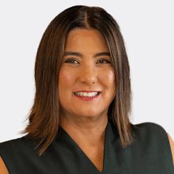 Nancy Flores headshot