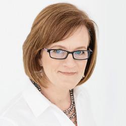 Risa Zaleski headshot