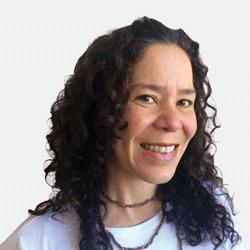 Anahi Santiago headshot