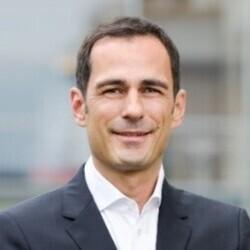 Andreas Weber headshot