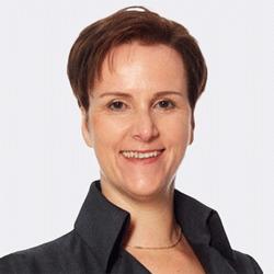 Sandra Konings headshot