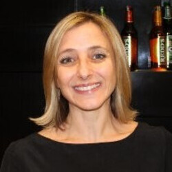 Lara Hirschowitz headshot