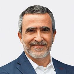 Vargha Moayed headshot