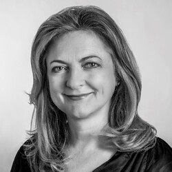 Helen Normoyle headshot