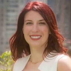 Maggie MacAlpine headshot