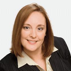 Cecilia Carbonelli headshot