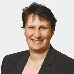 Julie Flaschenriem headshot