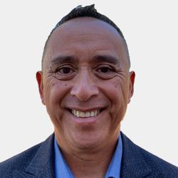Barry Magsanay headshot