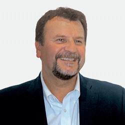 Dave Cummings headshot